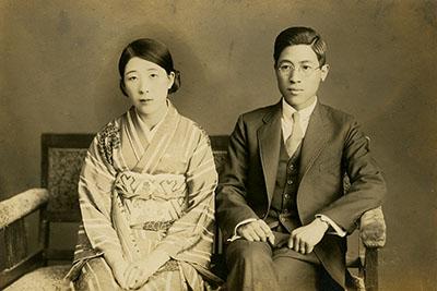 1930年代に撮影された祖母と祖父の写真